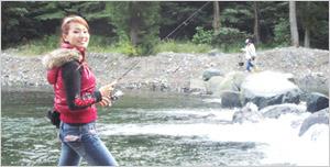 釣りガールの 安西真実さん画像