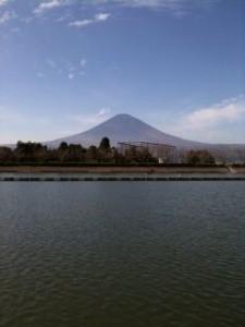 御殿場からの富士山の眺め@東山湖