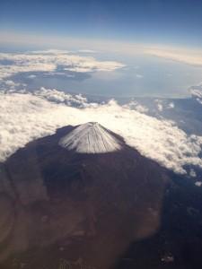 長崎へ向かう飛行機内から見た富士山