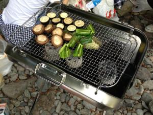 野菜を焼くBBQ