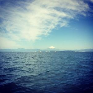 船から富士山