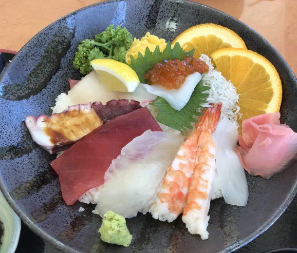 淡路島の美味しい海鮮丼