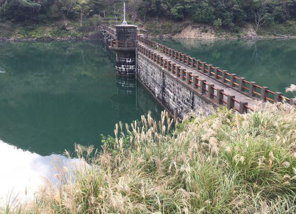 ダム湖イメージ