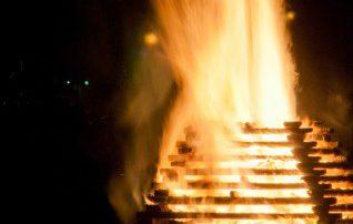 たき火イメージ