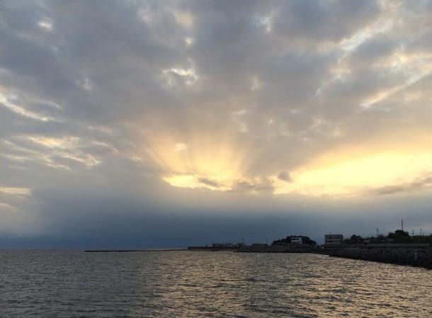 夕マズメの海